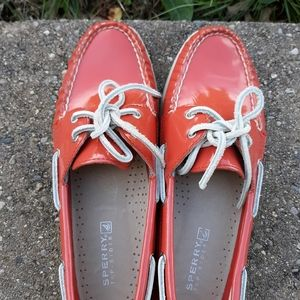 BNWOB Sperry coral leather shoes 8